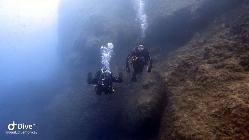 diving middle finger gozo