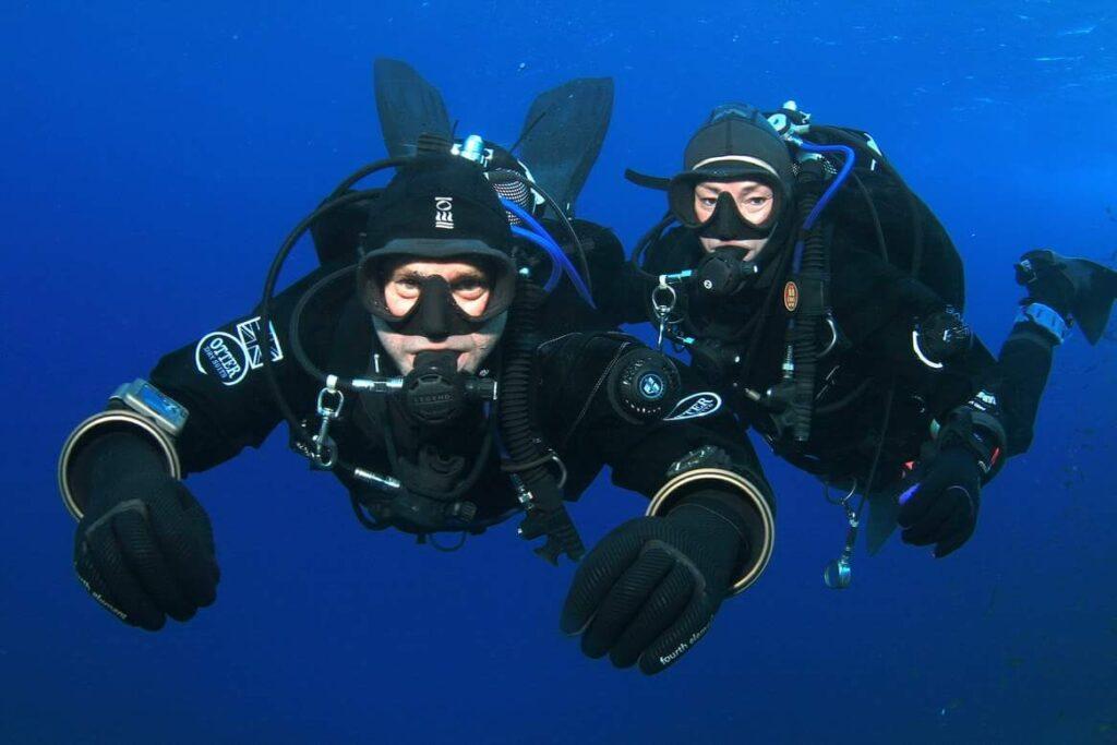 aquaventure malta lee and paul diving