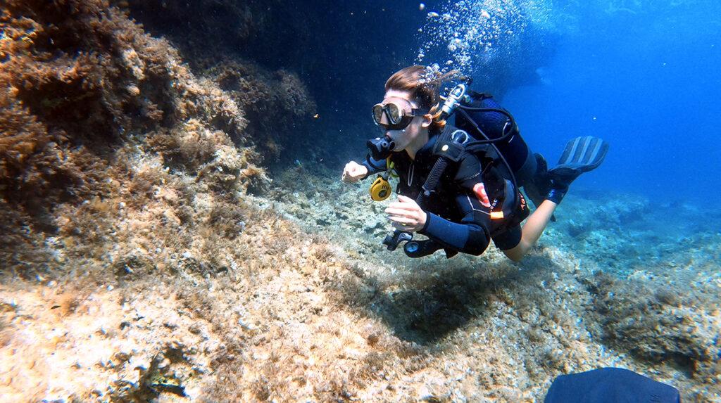 aquaventure discover scuba & mask