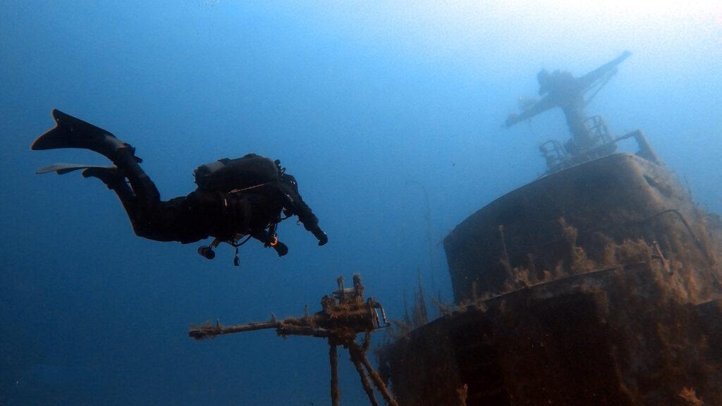 aquaventure malta p29 and diver